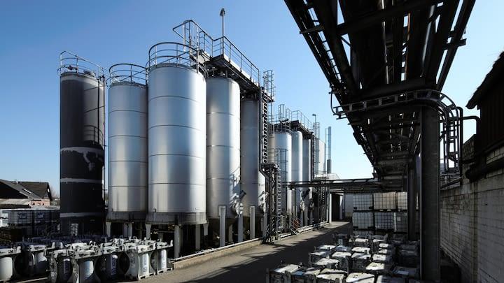 Tankanlagen am Standort der RCN Chemie