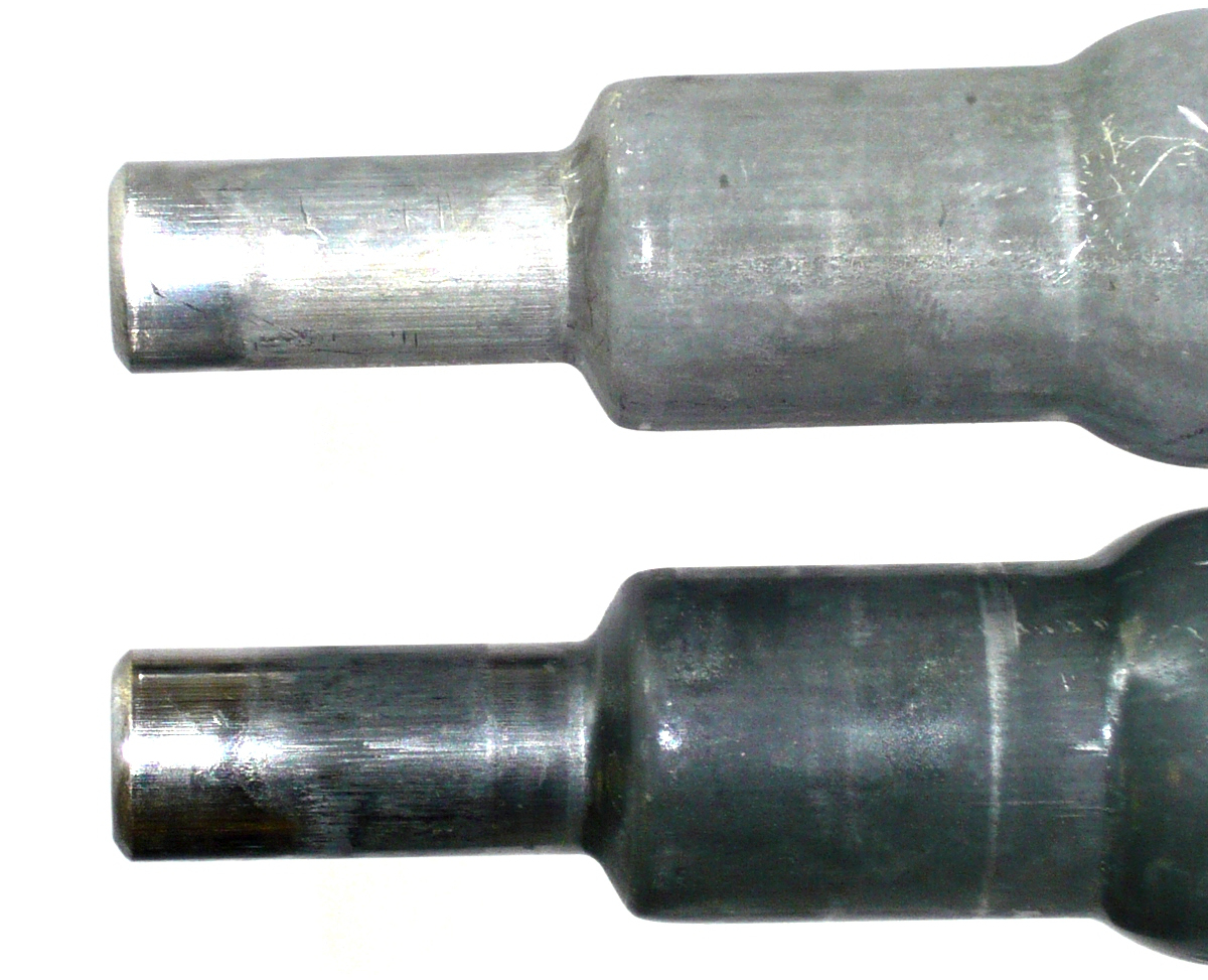 Two workpieces before and after de-phosphating